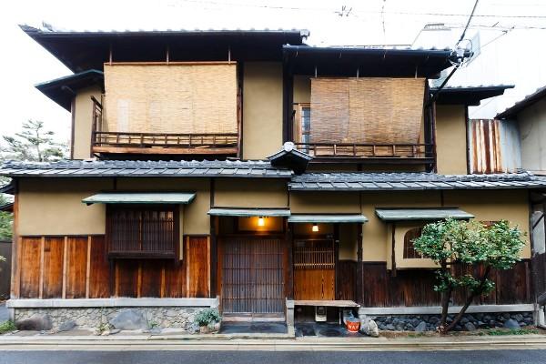 exterior-amber-house-southern-higashiyama-1 (Large)-XL