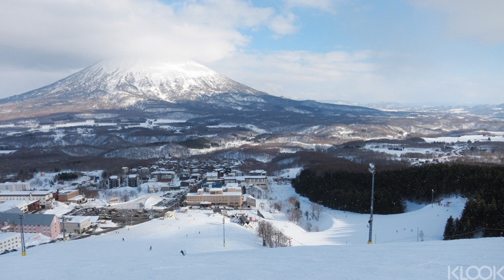 niseko-resort-1295x720-1024x569